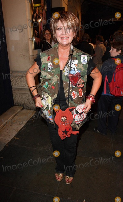 Amanda Barrie, Amanda Barry Photo - London, UK. Amanda Barrie departs after attending the Gala Night of 'Bad Girls the Musical' at the Garrick Theatre in London. 13th September 2007.Keith Mayhew/Landmark Media