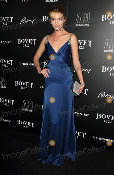 Arizona Muse, Muse Photo - London, UK.  Arizona Muse  at  BOVET 1822 Brilliant is Beautiful Gala benefitting Artists for Peace and Justice's Global Education Fund for Woman and Girls at Claridge's Hotel. 1st December 2017. Ref: LMK73-S965-021217