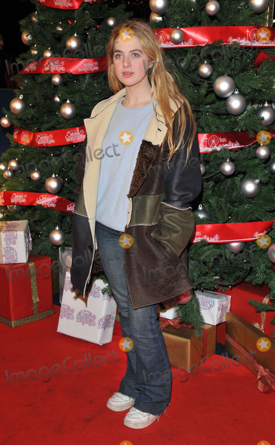 Anais Gallagher, Gallagher Photo - London, UK.  Anais Gallagher   at the VIP Preview of Winter Wonderland at Hyde Park on November 17, 2016 in London, United Kingdom.Ref:  LMK315-62270-191116Can Nguyen/Landmark Media. WWW.LMKMEDIA.COM.