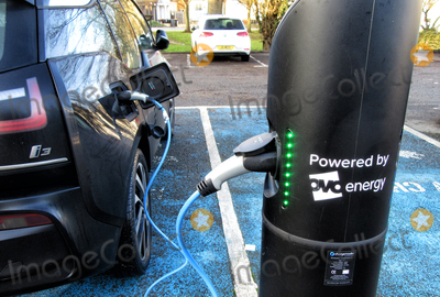 Photo - Bedford. UK.   Electric Vehicle charging pointUK car sales hit 28-year low in 2020, but the Electric Vehicle market has grown rapidly.There wasa fall of almost 30% in car registrations in the UK last year, with 1.63 million cars sold which is the lowest total since 1992 as the industry was hit badly by the effects of Covid-19 lockdowns. But sales of both electric cars and hybrids both rose sharply, with plug-in cars now accounting for more than 10 per cent of the UK market. 10th January 2021. Ref:LMK73-S3225-100121 Keith Mayhew/Landmark Media WWW.LMKMEDIA.COM.