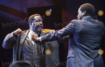 Arthur Miller, Wendell Pierce, Wendel Pierce, Gary Mitchell, Sope Dirisu Photo - London, UK.   Wendell Pierce and Sope Dirisu  at the photo call for the Arthur Miller classic Death of a Salesman at the Piccadilly theatre, West End, London. 1st November 2019. Ref:LMK386-S2535-011119 