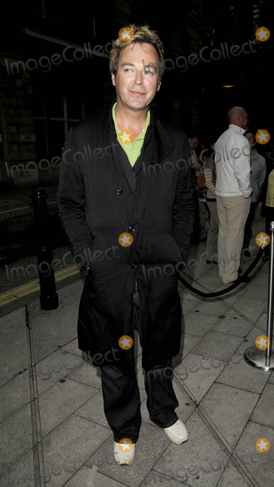 Julian Clary Photo - London, UK. Julian Clary at the 'Latin fever' opening night, held at the Peacock Theatre in London. 27th May 2009.