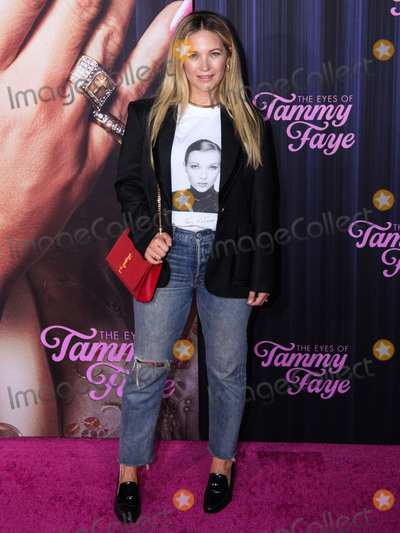 Photo - MANHATTAN, NEW YORK CITY, NEW YORK, USA - SEPTEMBER 14: Actress Vanessa Ray arrives at the New York Premiere Of Fox Searchlight Pictures' 'The Eyes Of Tammy Faye' held at the SVA Theater on September 14, 2021 in Manhattan, New York City, New York, United States. (Photo by Kevin Lian/Image Press Agency)