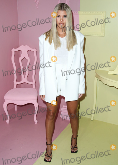 Alice & Olivia, Alice + Olivia, Roots, Stacey Bendet, Sofia Richie Photo - MANHATTAN, NEW YORK CITY, NEW YORK, USA - SEPTEMBER 09: Sofia Richie arrives at alice + olivia By Stacey Bendet during New York Fashion Week: The Shows held at ROOT Studios on September 9, 2019 in Manhattan, New York City, New York, United States. (Photo by Xavier Collin/Image Press Agency)