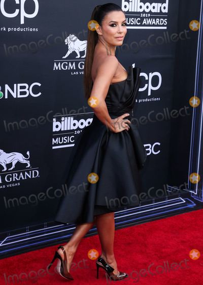 Alberta Ferretti, Eva Longoria, Eva Herzigová Photo - LAS VEGAS, NEVADA, USA - MAY 01: Actress Eva Longoria wearing an Alberta Ferretti dress and Gianvito Rossi heels while carrying a Rossoyuki clutch arrives at the 2019 Billboard Music Awards held at the MGM Grand Garden Arena on May 1, 2019 in Las Vegas, Nevada, United States. (Photo by Xavier Collin/Image Press Agency)