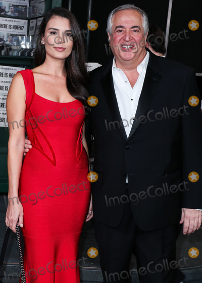 Nick Vallelonga, TCL Chinese Theatre Photo - aHOLLYWOOD, LOS ANGELES, CALIFORNIA, USA - OCTOBER 24: Teodora Djuric and Nick Vallelonga arrive at the Los Angeles Premiere Of Netflix's 'The Irishman' held at TCL Chinese Theatre IMAX on October 24, 2019 in Hollywood, Los Angeles, California, United States. (Photo by Xavier Collin/Image Press Agency)