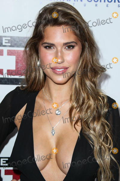 Photo - HOLLYWOOD, LOS ANGELES, CA, USA - MARCH 06: Model Kara Del Toro arrives at the Los Angeles Premiere Of Lionsgate's 'The Kid' held at ArcLight Cinemas Hollywood on March 6, 2019 in Hollywood, Los Angeles, California, United States. (Photo by Xavier Collin/Image Press Agency)
