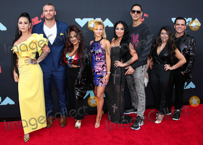 """Amy Paffrath, Jenni """"JWoww"""", Jenni """"JWoww"""" Farley, Jenni 'JWoww', Jenni 'JWoww' Farley, Jenni JWoww, Jenni JWOWW Farley, JWoww, Nicole """"Snooki"""" Polizzi, Nicole 'Snooki' Polizzi, Nicole Snooki Polizzi, Snooki, """"Snooki"""" Polizzi, Deena Nicole, NICOLE, SNOOKI, Jenni """"JWoww"""", Jenni """"JWoww"""" Farley Photo - NEWARK, NEW JERSEY, USA - AUGUST 26: Jenni 'JWoww' Farley, Clayton Carpinello, Nicole 'Snooki' Polizzi, Lauren Sorrentino, Amy Paffrath, Angela Pivarnick and Deena Nicole Buckner of Jersey Shore arrive at the 2019 MTV Video Music Awards held at the Prudential Center on August 26, 2019 in Newark, New Jersey, United States. (Photo by Xavier Collin/Image Press Agency)"""