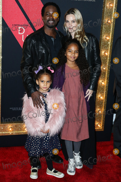 Harold Perrineau, TCL Chinese Theatre Photo - HOLLYWOOD, LOS ANGELES, CA, USA - DECEMBER 06: Actor Harold Perrineau and wife Brittany Perrineau with children arrive at the Los Angeles Premiere Of Netflix's 'Dumplin'' held at the TCL Chinese Theatre IMAX 6 on December 6, 2018 in Hollywood, Los Angeles, California, United States. (Photo by Xavier Collin/Image Press Agency)