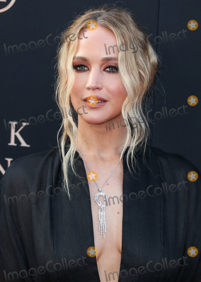 Jennifer Lawrence, TCL Chinese Theatre Photo - HOLLYWOOD, LOS ANGELES, CALIFORNIA, USA - JUNE 04: Actress Jennifer Lawrence wearing a Dior dress and Niwaka jewelry arrives at the Los Angeles Premiere Of 20th Century Fox's 'Dark Phoenix' held at the TCL Chinese Theatre IMAX on June 4, 2019 in Hollywood, Los Angeles, California, United States. (Photo by Xavier Collin/Image Press Agency)