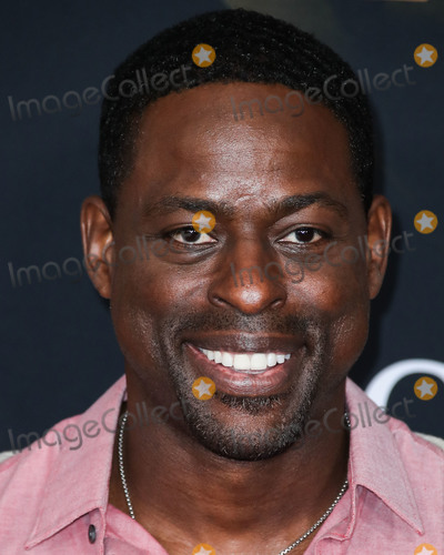 Photo - HOLLYWOOD, LOS ANGELES, CA, USA - MARCH 04: Actor Sterling K. Brown arrives at the World Premiere Of Marvel Studios 'Captain Marvel' held at the El Capitan Theatre on March 4, 2019 in Hollywood, Los Angeles, California, United States. (Photo by Xavier Collin/Image Press Agency)