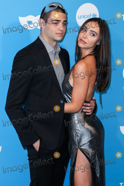 Alexis Ren, Noah Centineo Photo - WEST HOLLYWOOD, LOS ANGELES, CALIFORNIA, USA - OCTOBER 26: Actor Noah Centineo and girlfriend Alexis Ren arrive at the 7th Annual UNICEF Masquerade Ball 2019 held at the Kimpton La Peer Hotel on October 26, 2019 in West Hollywood, Los Angeles, California, United States. (Photo by Xavier Collin/Image Press Agency)