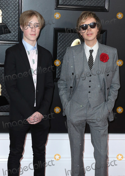 Beck, Grammy Awards Photo - LOS ANGELES, CALIFORNIA, USA - JANUARY 26: Beck and Cosimo Henri arrive at the 62nd Annual GRAMMY Awards held at Staples Center on January 26, 2020 in Los Angeles, California, United States. (Photo by Xavier Collin/Image Press Agency)