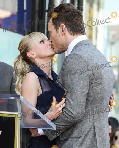 """Anna Faris, Chris Pratt, Giuseppe Zanotti, Anna Maria Perez de Taglé, Jackée Photo - (FILE) Chris Pratt and Anna Faris Divorce Settlement Details Revealed. The details of the divorce settlement between Chris Pratt and Anna Faris are coming to light. The two, who obtained a private judge to work out the deal, reportedly signed off on the deal on Wednesday (November 7, 2018) according to TMZ. According to the documents, they have agreed to live """"no more than five miles apart for about the next five years."""" This deal was made so that the two parents stay in place until their six-year-old son, Jack, completes the sixth grade. HOLLYWOOD, LOS ANGELES, CA, USA - APRIL 21: Anna Faris (wearing a Vivian Chan skirt and shirt with Giuseppe Zanotti shoes), Jack Pratt and Chris Pratt attend a Ceremony Honoring Chris Pratt With Star On The Hollywood Walk Of Fame on April 21, 2017 in Hollywood, Los Angeles, California, United States. (Photo by Xavier Collin/Image Press Agency)"""