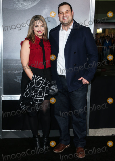 Max Adler Photo - WESTWOOD, LOS ANGELES, CA, USA - DECEMBER 10: Jennifer Bronstein Adler and husband/actor Max Adler arrive at the Los Angeles Premiere of Warner Bros. Pictures' 'The Mule' held at the Regency Village Theatre on December 10, 2018 in Westwood, Los Angeles, California, United States. (Photo by Image Press Agency)