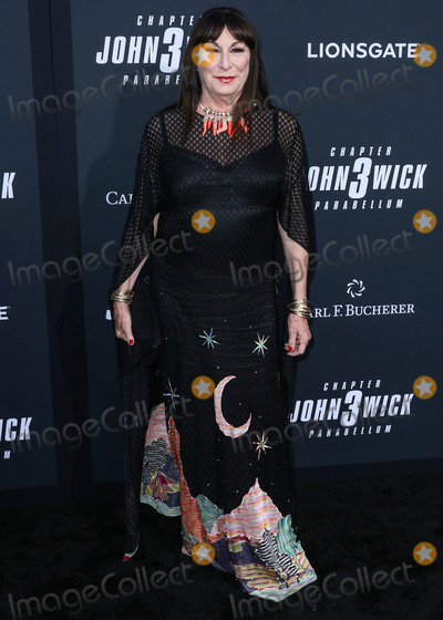 Anjelica Huston, TCL Chinese Theatre, John Wicks Photo - HOLLYWOOD, LOS ANGELES, CALIFORNIA, USA - MAY 15: Anjelica Huston arrives at the Los Angeles Special Screening Of Lionsgate's 'John Wick: Chapter 3 - Parabellum' held at the TCL Chinese Theatre IMAX on May 15, 2019 in Los Angeles, California, United States. (Photo by Xavier Collin/Image Press Agency)