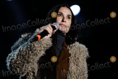Demi Moore Photo - CALABASAS, LOS ANGELES, CA, USA - DECEMBER 02: Actress Demi Moore speaks onstage at the One Love Malibu Festival Benefit Concert For Woolsey Fire Recovery held at the King Gillette Ranch on December 2, 2018 in Calabasas, Los Angeles, California, United States. (Photo by Xavier Collin/Image Press Agency)