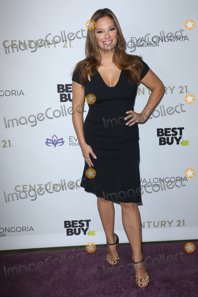 Alex Meneses, Eva Longoria, Four Seasons, The Four Seasons Photo - BEVERLY HILLS, LOS ANGELES, CALIFORNIA, USA - NOVEMBER 15: Alex Meneses arrives at the Eva Longoria Foundation Dinner Gala 2019 held at the Four Seasons Los Angeles at Beverly Hills on November 15, 2019 in Beverly Hills, Los Angeles, California, United States. (Photo by Image Press Agency)