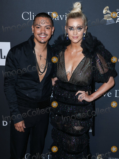 Photo - BEVERLY HILLS, LOS ANGELES, CA, USA - FEBRUARY 09: Actor Evan Ross and wife/singer Ashlee Simpson arrive at The Recording Academy And Clive Davis' 2019 Pre-GRAMMY Gala held at The Beverly Hilton Hotel on February 9, 2019 in Beverly Hills, Los Angeles, California, United States. (Photo by Xavier Collin/Image Press Agency)