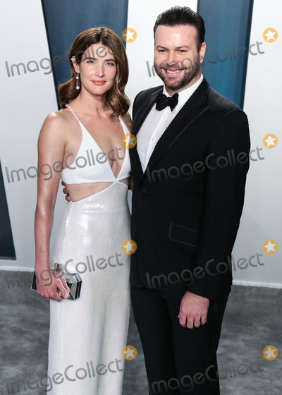 Cobie Smulders, Taran Killam, Wallis Annenberg, Cobie Smulder, Coby Smulders Photo - BEVERLY HILLS, LOS ANGELES, CALIFORNIA, USA - FEBRUARY 09: Cobie Smulders and Taran Killam arrive at the 2020 Vanity Fair Oscar Party held at the Wallis Annenberg Center for the Performing Arts on February 9, 2020 in Beverly Hills, Los Angeles, California, United States. (Photo by Xavier Collin/Image Press Agency)