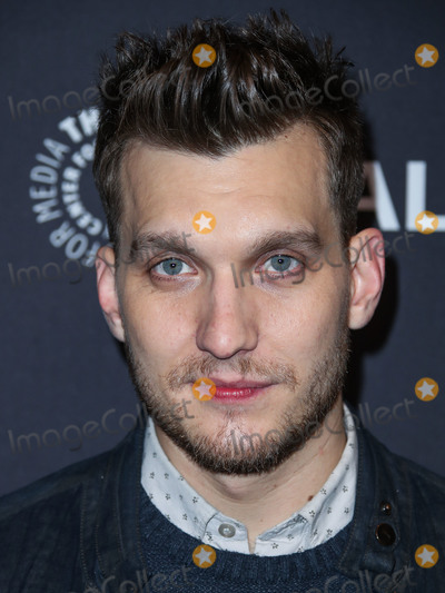Photo - HOLLYWOOD, LOS ANGELES, CA, USA - MARCH 20: Actor Scott Michael Foster arrives at the 2019 PaleyFest LA - The CW's 'Jane The Virgin' and 'Crazy Ex-Girlfriend: The Farewell Seasons' held at the Dolby Theatre on March 20, 2019 in Hollywood, Los Angeles, California, United States. (Photo by Xavier Collin/Image Press Agency)