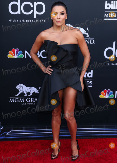 Alberta Ferretti, Eva Longoria Photo - LAS VEGAS, NEVADA, USA - MAY 01: Actress Eva Longoria wearing an Alberta Ferretti dress and Gianvito Rossi heels while carrying a Rossoyuki clutch arrives at the 2019 Billboard Music Awards held at the MGM Grand Garden Arena on May 1, 2019 in Las Vegas, Nevada, United States. (Photo by Xavier Collin/Image Press Agency)