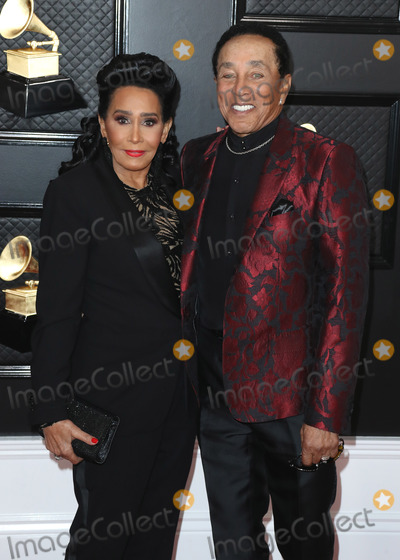 Smokey Robinson, Grammy Awards Photo - LOS ANGELES, CALIFORNIA, USA - JANUARY 26: Frances Glandney and Smokey Robinson arrive at the 62nd Annual GRAMMY Awards held at Staples Center on January 26, 2020 in Los Angeles, California, United States. (Photo by Xavier Collin/Image Press Agency)