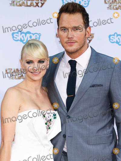 """Anna Faris, Chris Pratt, Anna Maria Perez de Taglé, Jackée Photo - (FILE) Chris Pratt and Anna Faris Divorce Settlement Details Revealed. The details of the divorce settlement between Chris Pratt and Anna Faris are coming to light. The two, who obtained a private judge to work out the deal, reportedly signed off on the deal on Wednesday (November 7, 2018) according to TMZ. According to the documents, they have agreed to live """"no more than five miles apart for about the next five years."""" This deal was made so that the two parents stay in place until their six-year-old son, Jack, completes the sixth grade. HOLLYWOOD, LOS ANGELES, CA, USA - JULY 21: Actors Anna Faris (wearing a Paule Ka dress, Edie Parker clutch, Dana Rebecca Designs earrings, and Graziela Gems ring) and Chris Pratt (wearing a Sand Copenhagen suit, Walk-Over shoes, and Chopard timepiece) arrive at the Los Angeles Premiere Of Marvel's 'Guardians Of The Galaxy' held at the El Capitan Theatre on July 21, 2014 in Hollywood, Los Angeles, California, United States. (Photo by Xavier Collin/Image Press Agency)"""