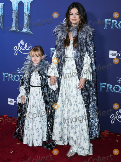 Gomez, Marc Jacobs, Selena Gomez Photo - HOLLYWOOD, LOS ANGELES, CALIFORNIA, USA - NOVEMBER 07: Gracie Elliot Teefey and sister/singer Selena Gomez both wearing Marc Jacobs arrive at the World Premiere Of Disney's 'Frozen 2' held at the Dolby Theatre on November 7, 2019 in Hollywood, Los Angeles, California, United States. (Photo by Xavier Collin/Image Press Agency)