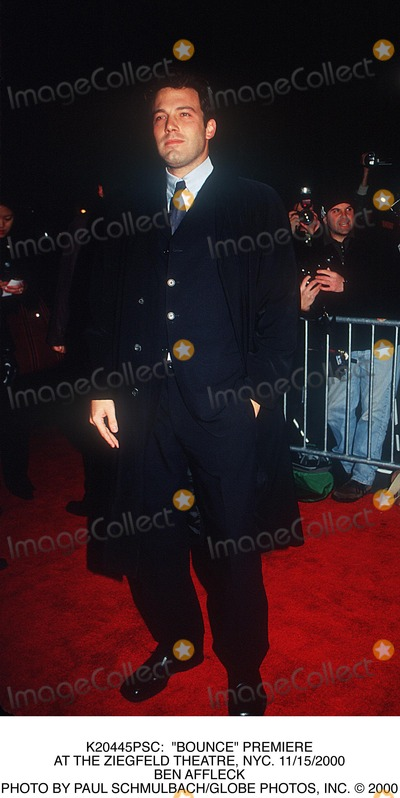 "Ben Affleck Photo - : ""Bounce"" Premiere at the Ziegfeld Theatre, NYC. 11/15/2000 Ben Affleck Photo by Paul Schmulbach/Globe Photos, Inc."