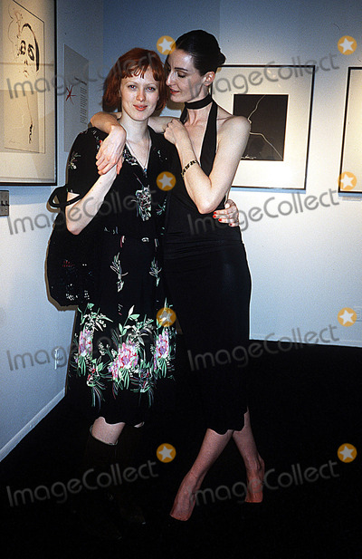 Erin O'Connor, Karen Elson, Adele Photo - Erin O'connor Reveals Her Mannequin Adel Rootstein, NYC 05/16/02 Photo by Rose Hartman/Globe Photos, Inc. 2002 Karen Elson Erin O'connor