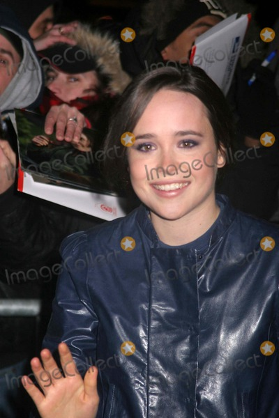 """Ellen Page, David Letterman Photo - Ellen Page at a Taping of """"the Late Show with David Letterman"""" New York City 01-03-2008 Photo by Paul Schmulbach-Globe Photos"""