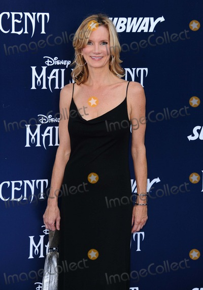 """Beth Littleford Photo - Beth Littleford attending the Los Angeles Premiere of """"Maleficent"""" Held at the El Capitan Theatre in Hollywood, California on May 28, 2014 Photo by: D. Long- Globe Photos Inc."""