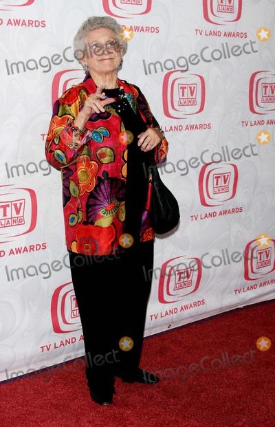Ann B. Davis, Ann. B. Davis Photo - Annual Tv Land Awards Show 2007 - Barker Hanger, Santa Monica, California - 04-14-2007 - Photo by Nina Prommer/Globe Photos Inc 2007 - K52367np Ann B. Davis