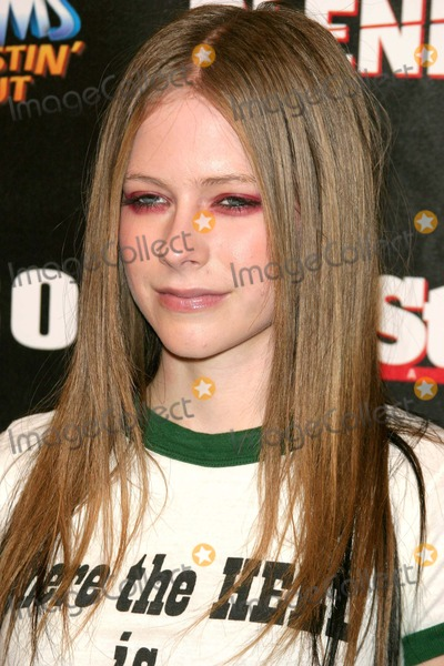 Avril Lavigne, Kid Rock Photo - Kid Rock After-party For American Music Awards at Forbidden City, Hollywood, CA 11/16/2003 Photo by Milan Ryba / Globe Photos Inc 2003 Avril Lavigne