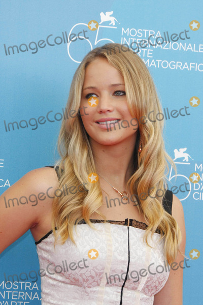 """Jennifer Lawrence Photo - Actress Jennifer Lawrence Posing After the Press Conference of """"the Burning Plain"""" During the 65th Venice Film Festival at Palazzo Del Casino in Venice, Italy 08-29-2008 Photo by Alec Michael-Globe Photos, Inc. K59391am Photocall"""
