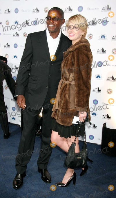 Carl Lewis, Galactic Photo - Griffith Observatory Re-opening Galactic Gala the Griffith Observatory, Los Angeles, CA 10-29-2006 Carl Lewis and Kat Stone Photo: Clinton H. Wallace-photomundo-Globe Photos Inc
