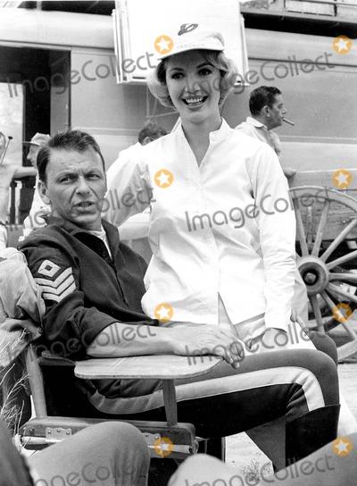 Frank Sinatra Photo - Frank Sinatra Photo by Globe Photos, Inc.