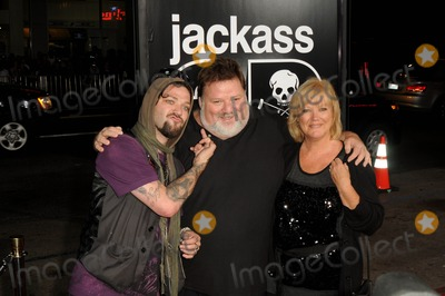 Phil Margera, April Margera, Bam Margera, Grauman's Chinese Theatre Photo - Bam Margera, Phil Margera, April Margera attending the Los Angeles Premiere of Jackass 3d Held at the Grauman's Chinese Theatre in Hollywood, California on October 13, 2010 Photo by: D. Long- Globe Photos Inc. 2010