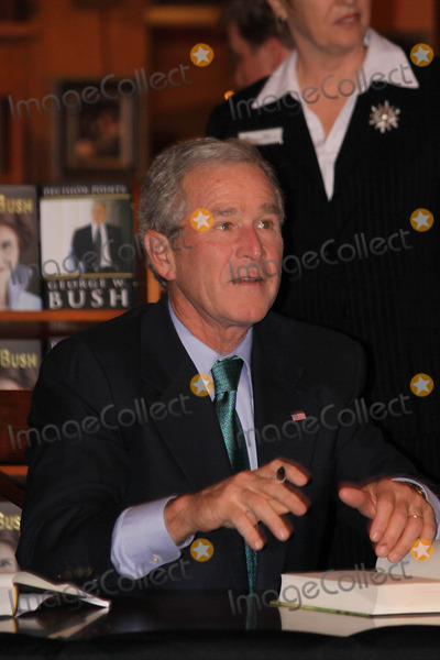 Photos and Pictures - George W. Bush Former President ...