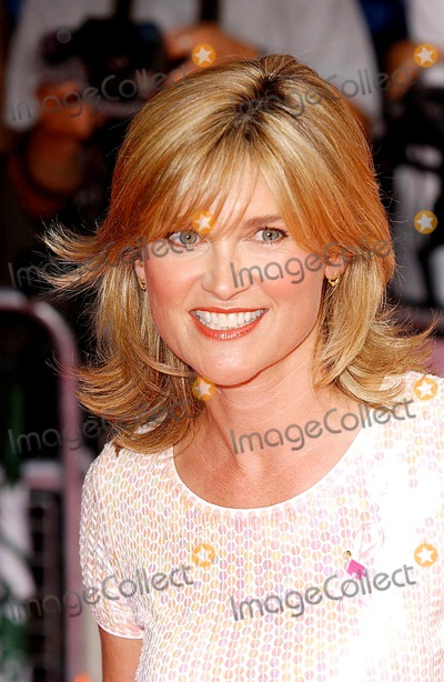 "Anthea Turner Photo - Paul Hennessy/ Globelinkuk.com/Globe Photos Inc K31882 07/23/2003 000143 Anthea Turner ""Legally Blonde 2"" Uk Film Premiere -Warner West End, London."
