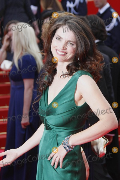 """Julia Ormond Photo - Julia Ormond (C) Arriving at the Premiere of """"Che"""" During the 2008 Cannes Film Festival at Palais Des Festivals in Cannes, France on 05-21-2008 Photo by Alec Michael-Globe Photos, Inc."""
