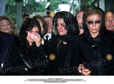 Farah Pahlavi, Passy, As Yet Photo - IMAPRESS. PH : CLEMOT / BENITO.