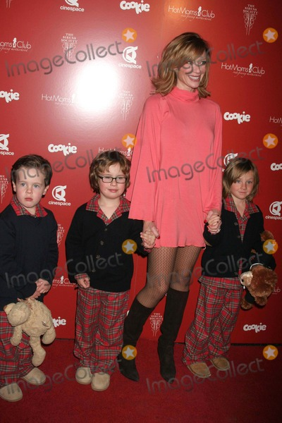 Hot Moms Club, Lauren Holly, Hollies, Alexander Georges Photo - I12511CHW