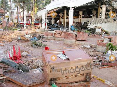 Photo - Station DE Patong a Phuket Le 12-27-2004 Photo by O.medias-helicam-asia-Globe Photos K40968 Tsunami Damagethailand