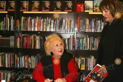 Doris Roberts, Anne Archer, Julien Doré Photo - K30604MR                      SD/05/17/2003DORIS ROBERTS - ( EVERYBODY LOVES RAYMONDCO-STAR ), SIGNING HER NEW BOOK    ARE YOU HUNGRY, DEAR?  BARNES & NOBLE BOOK STORE,THE GROVE AT FARMERS MARKET,LOS ANGELES,CA. (05/17/03) PHOTO BY MILAN RYBA/GLOBE PHOTOS,INC.@2003DORIS ROBERTS AND ANNE ARCHER