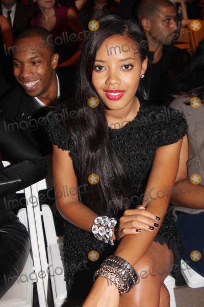 Angela Simmons, Vivienne Tam, Front Row Photo - Mercedes-benz Fashion Week Spring 2010 Vivienne Tam - Front Row and Backstage at Bryant Park New York 09-12-2009 Photos by Photo by Barry Talesnick -Globe Photos Inc, Inc. Angela Simmons
