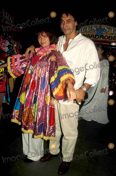 Jacqueline Bisset, Jackie Bisset Photo - -7-1997 Barnum and Bailey Circus ( Jacqueline ) Jackie Bisset and Emir Boytepe Photo By:erma-michelson-Globe Photos, Inc