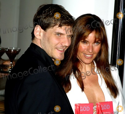 Alexei Yashin, Carol Alt Photo - Alexei Yashin and Carol Alt K30230rm the 72 Names of God Book Launch Party at the New Museum of Contemporary Art in New York City 04/24/2003 Photo By:rick Mackler/rangefinder/Globe Photos, Inc.