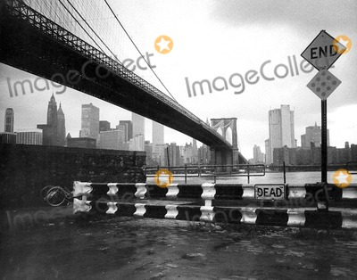 Photo - Brooklyn Bridge New York City Photo By:bud Strauss/Globe Photos, Inc